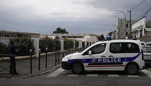 ВоФранции задержаны около 300 причастных ктерроризму человек