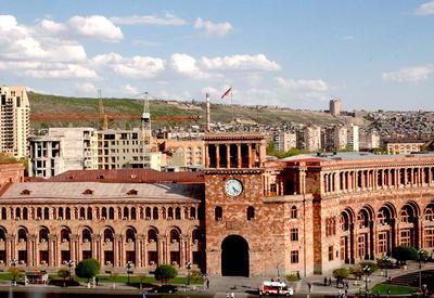 Новый премьер Армении сметает губернаторов