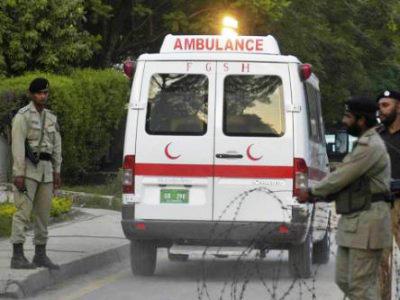 При столкновении поездов вПакистане ранено 100 человек