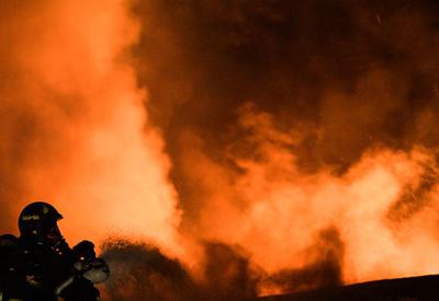 """В мощном пожаре в Москве погибли 8 пожарных <span class=""""color_red"""">- ФОТО - ВИДЕО</span>"""