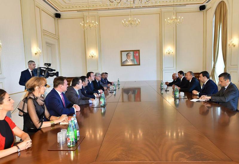 """Президент Ильхам Алиев: Азербайджанский народ свободно выразит свою волю <span class=""""color_red"""">- ОБНОВЛЕНО - ФОТО</span>"""