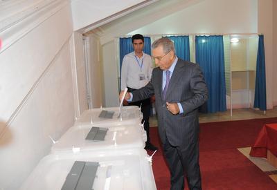 "Рамиз Мехтиев проголосовал на референдуме <span class=""color_red"">- ФОТО</span>"