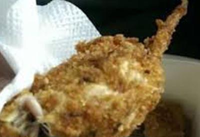 """Нашедший жареную крысу в еде KFC признался в обмане <span class=""""color_red"""">- ВИДЕО</span>"""