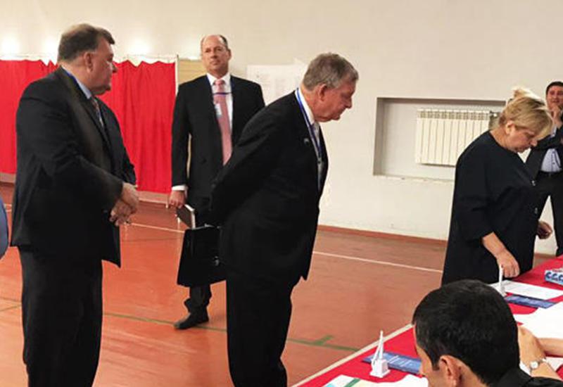"""Миссия парламента Австралии начала мониторинг за ходом референдума в Азербайджане <span class=""""color_red"""">- ФОТО</span>"""