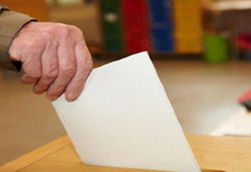 Явка на референдуме в Азербайджане на 10:00 составляет 12,9 %
