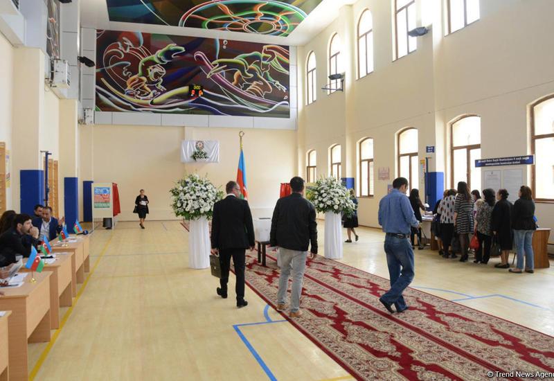 """В Азербайджане проходит референдум по изменениям и дополнениям в Конституцию <span class=""""color_red"""">- ФОТО</span>"""