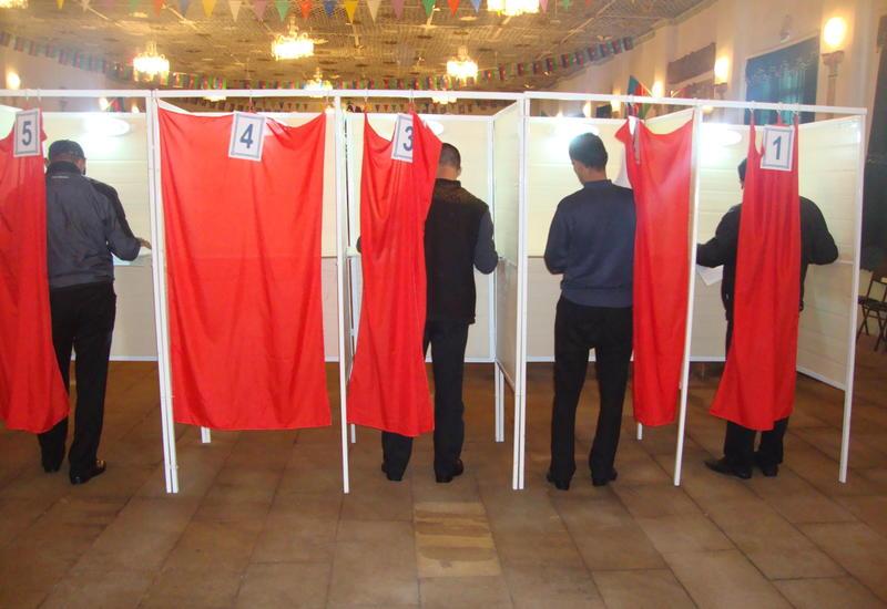 """В Азербайджане большинство заключенных исправительного учреждения № 11 проголосовали на референдуме <span class=""""color_red"""">- ФОТО</span>"""