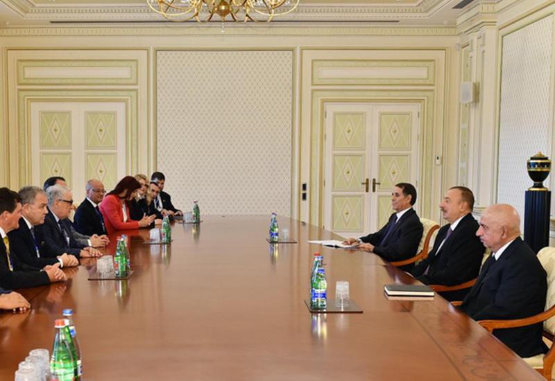 """Президент Ильхам Алиев принял делегации Европейской народной партии и миссии Европейской академии наблюдения за выборами <span class=""""color_red"""">- ОБНОВЛЕНО - ФОТО</span>"""