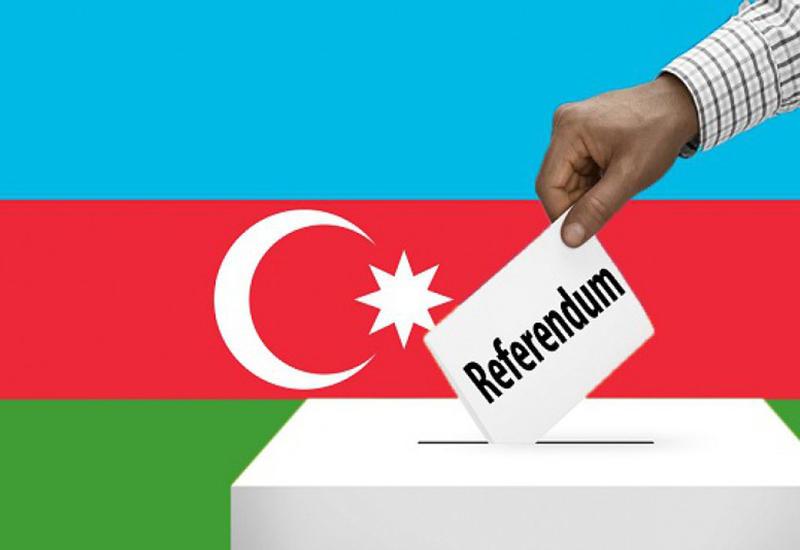 За ходом голосования в участках Ясамальского I избирательного округа наблюдают 358 человек
