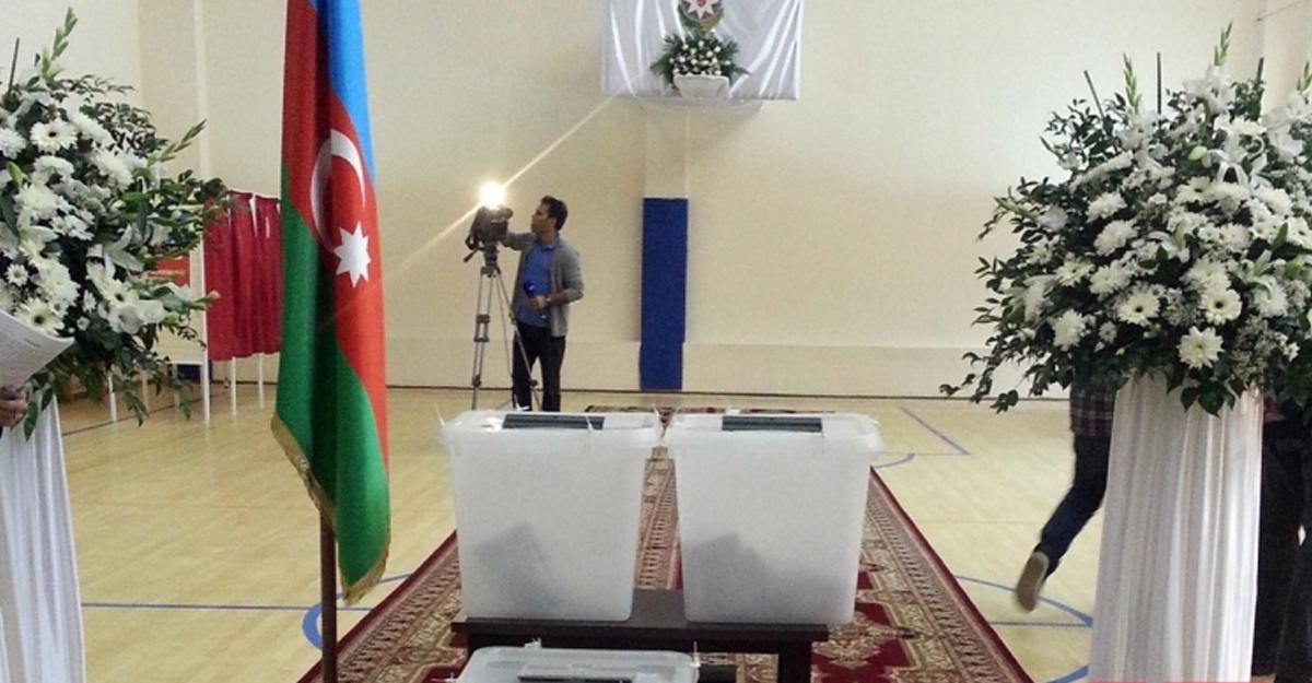 Правящая партия Азербайджана сказала, что все поправки кконституции приняты