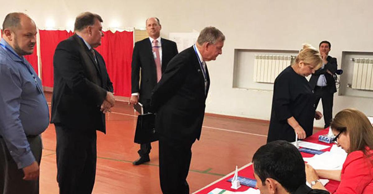 Экзитпол: вАзербайджане приняли поправки кконституции нареферендуме