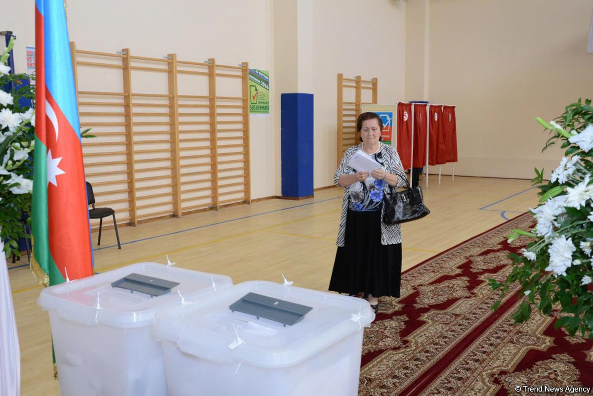 Впосольстве Азербайджана вИране продолжается голосование
