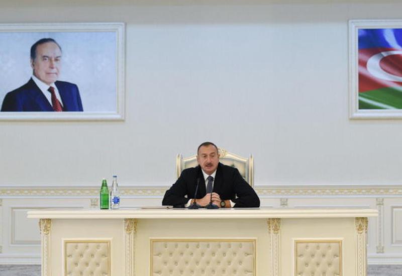 Президент Ильхам Алиев: Когда в будущем кто-то из-за рубежа захочет нам что-то диктовать, он должен дважды подумать