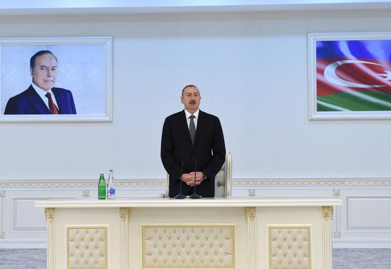 Президент Ильхам Алиев: Проведенный вчера референдум - еще один показатель большого доверия народа нашей политике