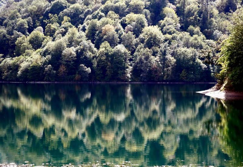 Марал-Гель - озеро тысячи отражений - ФОТО