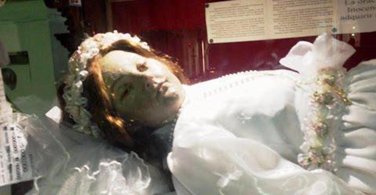 ВМексике 300-летняя мумия открыла глаза