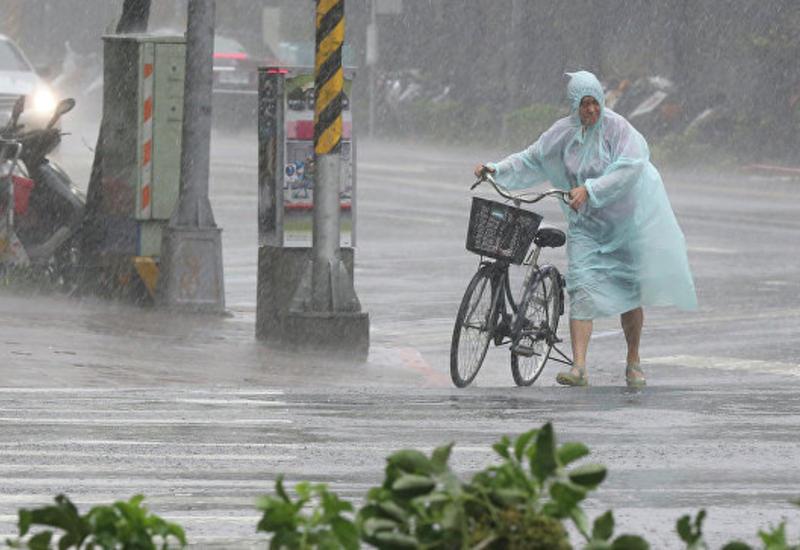 """На Китай обрушился мощный тайфун """"Меги"""""""