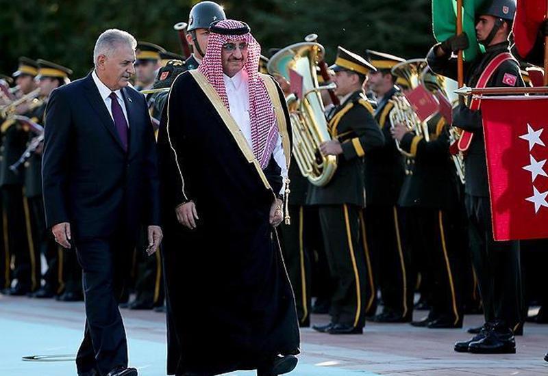 Наследный принц Саудовской Аравии неожиданно прибыл в Турцию