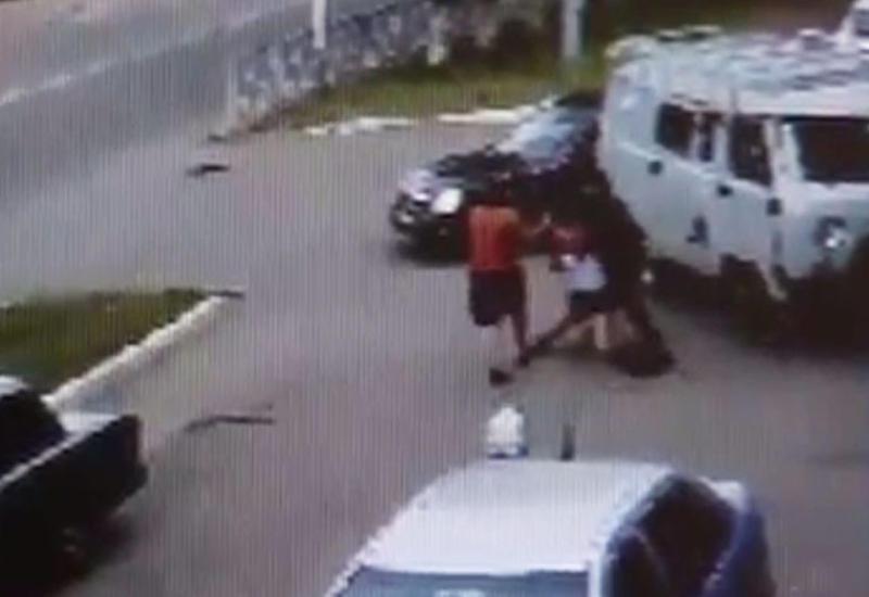 """В Оренбурге неизвестные похитили школьницу <span class=""""color_red"""">- ВИДЕО</span>"""