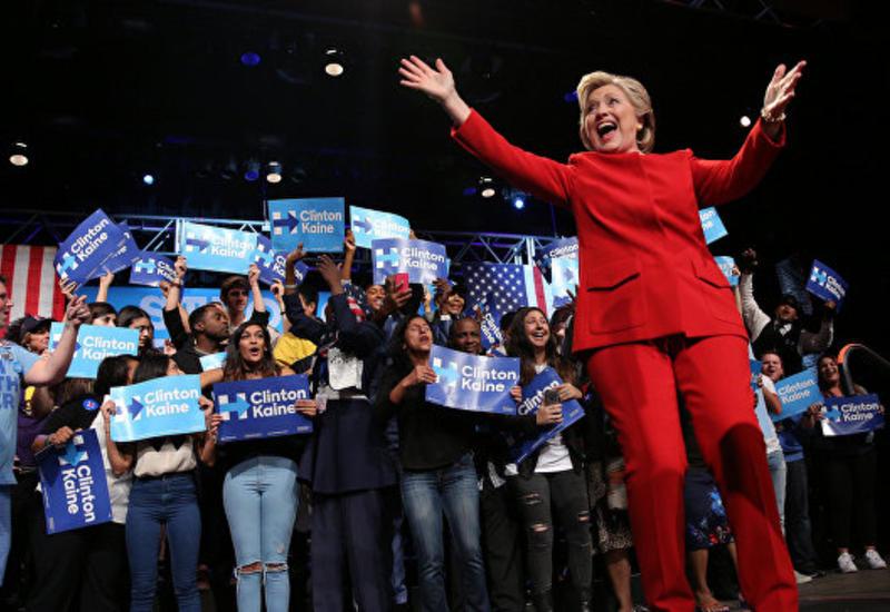 Опрос: Клинтон опережает Трампа на пять пунктов