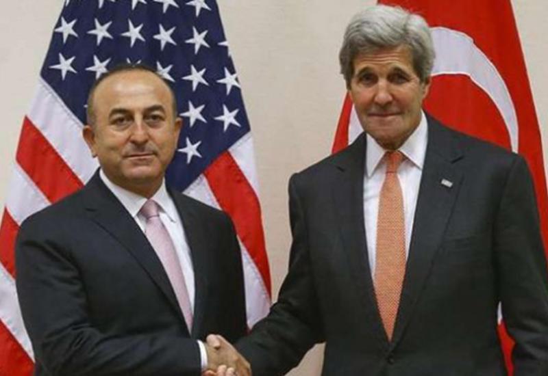 Чавушоглу и Керри обсудили ситуацию в Сирии