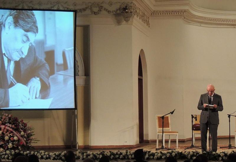 """90-летие Габиля: в Филармонии торжественно отметили юбилей поэта <span class=""""color_red""""> - ФОТО</span>"""