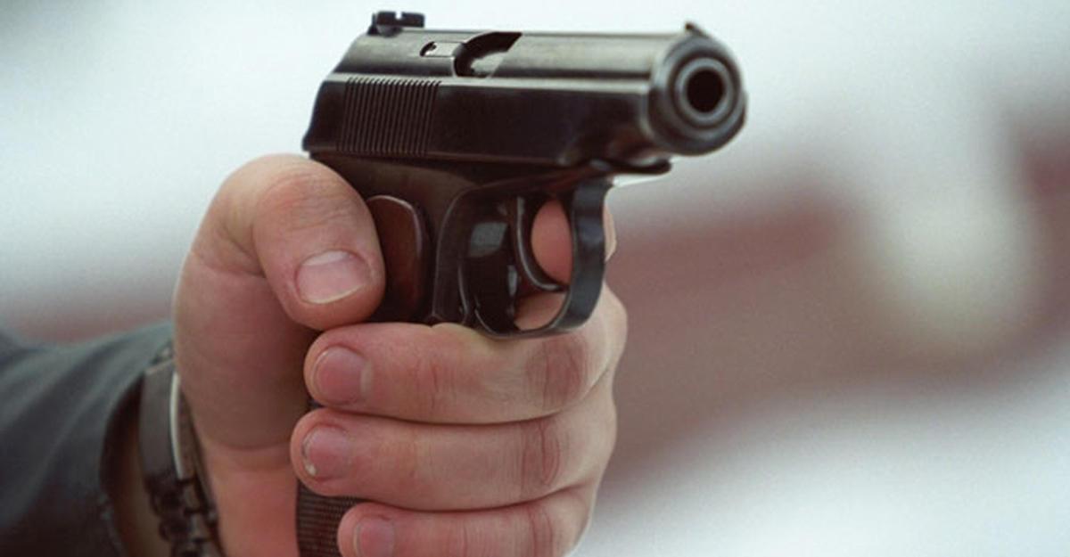 ВЕкатеринбурге мужчина открыл стрельбу по гостям ночного клуба