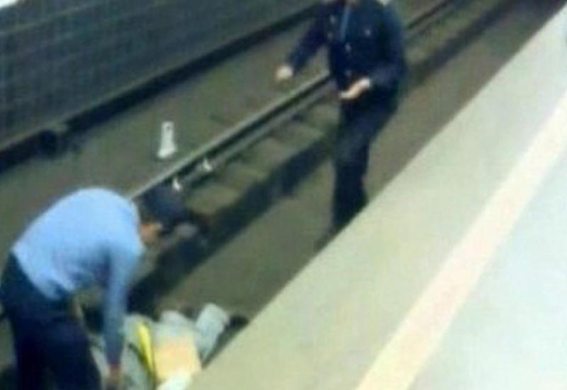 """Жуткий инцидент в стамбульском метро <span class=""""color_red"""">- ВИДЕО</span>"""