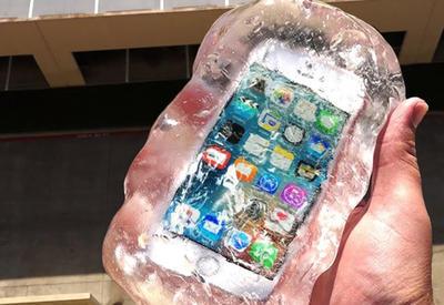 "13 способов уничтожить iPhone сняли на камеру <span class=""color_red"">- ВИДЕО</span>"