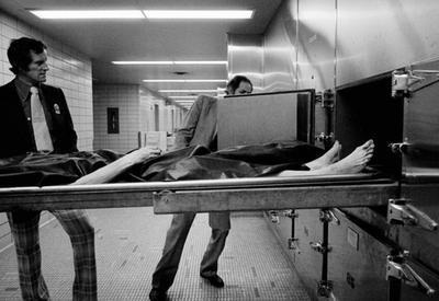 """Интересная и жестокая работа полицейских Нью-Йорка в 70-е годы <span class=""""color_red"""">- ФОТО</span>"""