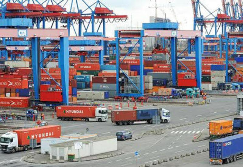 Азербайджан освободил перевалку транзитных грузов от налогообложения
