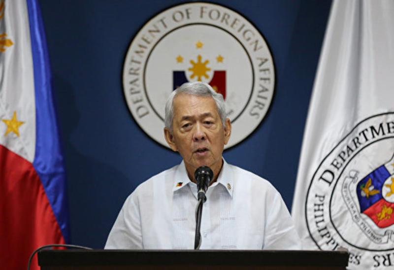 Глава МИД: Филиппины не намерены оставаться подчиненными США