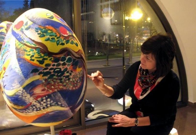 Асмер Нариманбекова представила свои работы в Лувре
