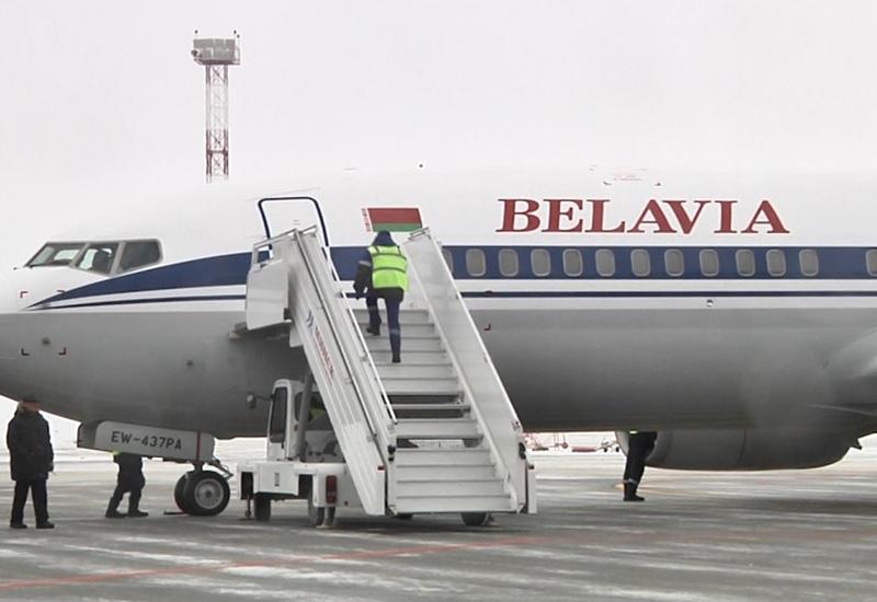 Пассажирский Boeing экстренно посадили из-за армянина