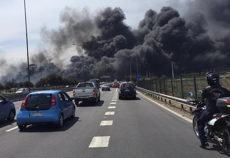 """Мощный пожар вблизи аэропорта <span class=""""color_red"""">- в Чили - ВИДЕО</span>"""