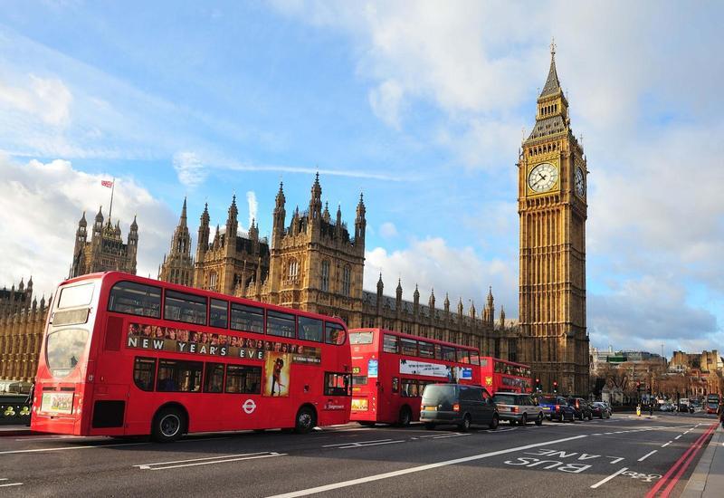 Крупнейшие банки хотят уйти из Великобритании