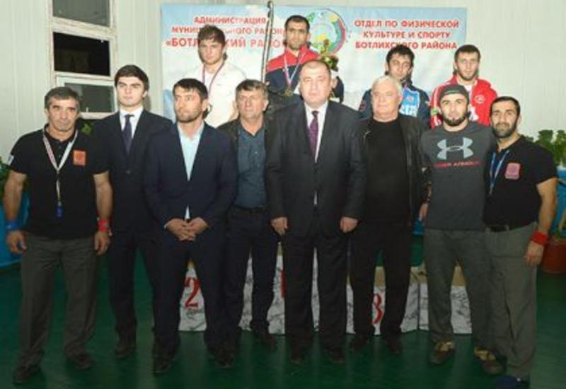 Азербайджанский борец выиграл турнир в России
