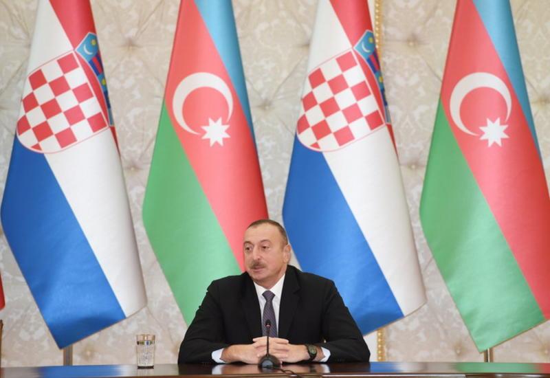 Президент Ильхам Алиев: Международное сообщество должно принудить Армению без каких-либо условий освободить принадлежащие Азербайджану земли