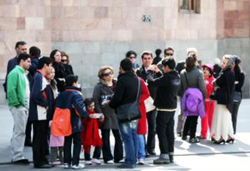 В Азербайджан стало приезжать больше иранских туристов