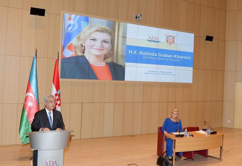 """Президент Хорватии выступила с лекцией перед студентами Университета АДА <span class=""""color_red"""">- ФОТО</span>"""