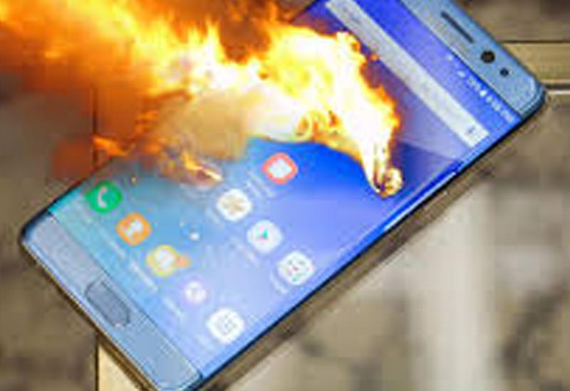 """Ученые выяснили, почему взрываются смартфоны <span class=""""color_red"""">- ВИДЕО</span>"""