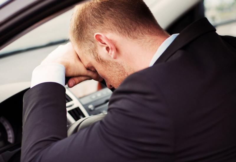 В Баку уснувший за рулем водитель устроил жуткую аварию