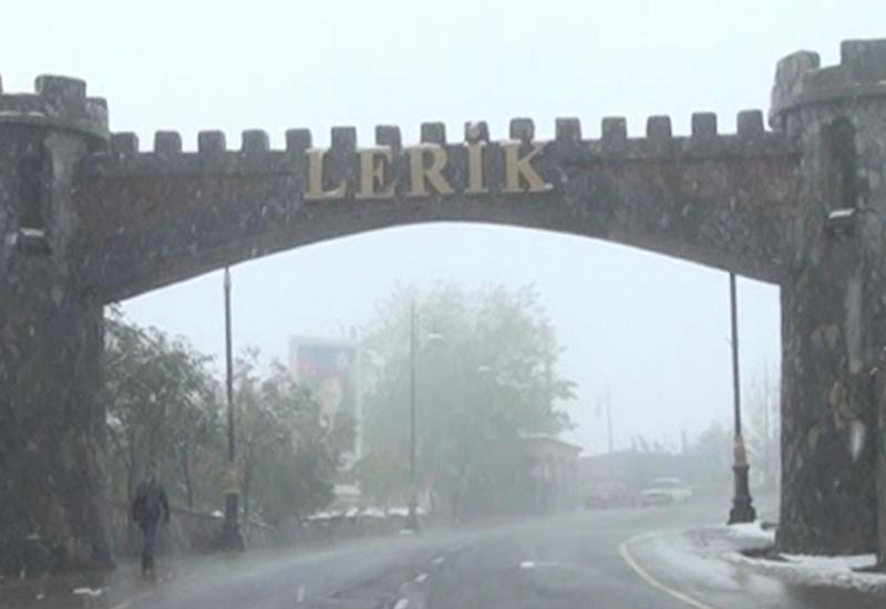 """В 70 населенных пунктах на юге Азербайджана выпал снег <span class=""""color_red"""">- ФОТО</span>"""