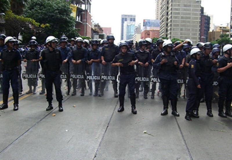 В Венесуэле в ходе оппозиционного марша застрелен полицейский