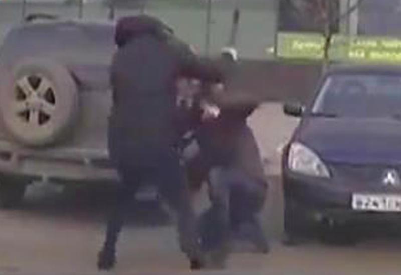 """Грабитель зверски избил мужчину в Челябинске, но деньги не получил <span class=""""color_red"""">- ВИДЕО</span>"""