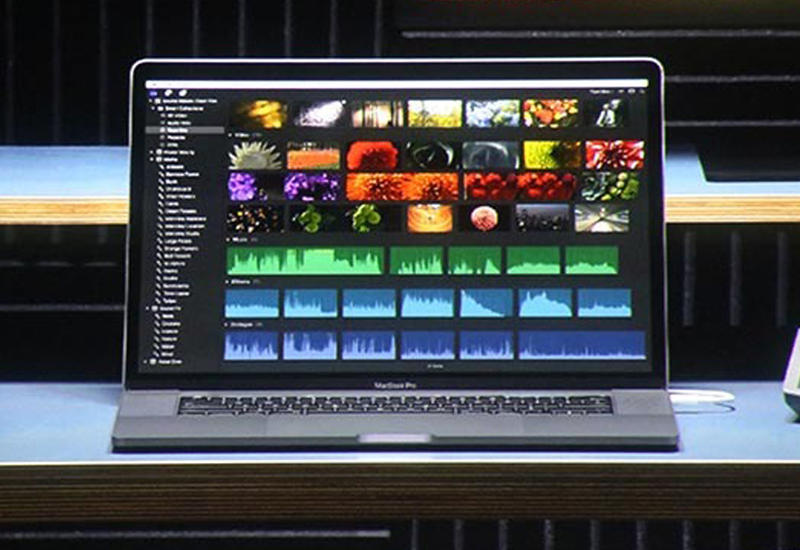 """Apple представила MacBook с двумя дисплеями <span class=""""color_red"""">- ВИДЕО</span>"""