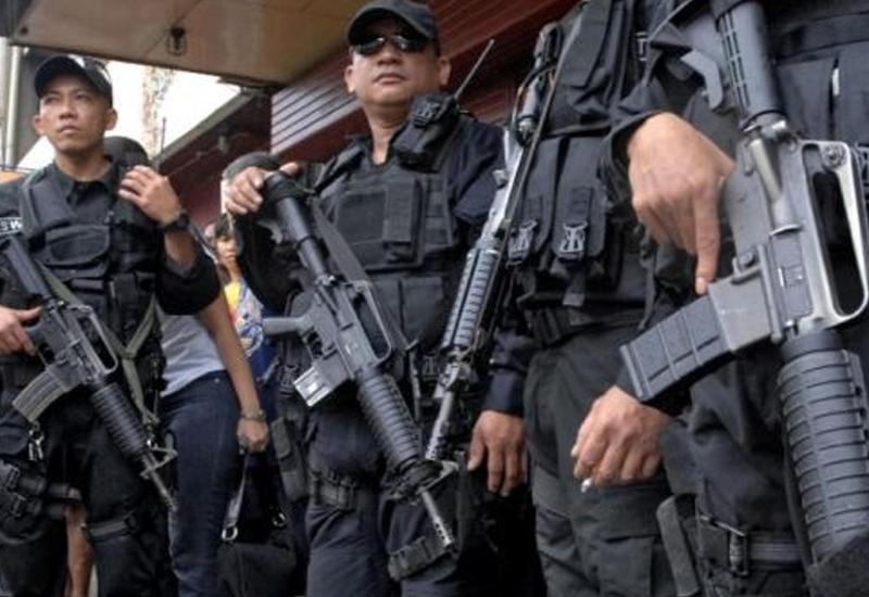"""В ходе антинаркотического рейда на Филиппинах застрелили мэра города <span class=""""color_red"""">- ВИДЕО</span>"""