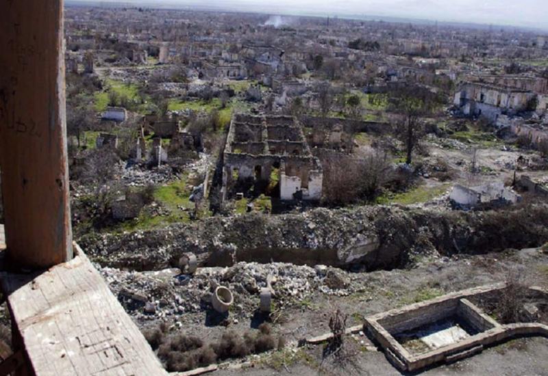 Азербайджан призвал Красный Крест решить гуманитарные проблемы на оккупированных территориях
