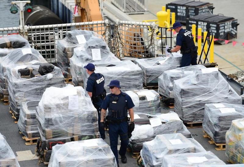 """Береговая охрана США изъяла одну из самых больших партий наркотиков <span class=""""color_red"""">- ВИДЕО</span>"""