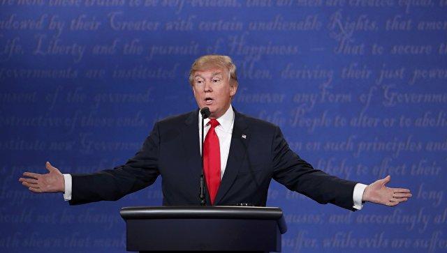 Трамп назвал скандал сперепиской Клинтон крупнейшим запоследние 40 лет